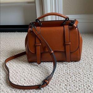 Finest Genuine Leather Crossbody Bag ( Amerii )